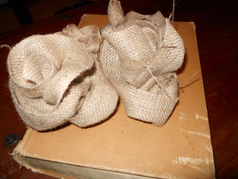 Burlap flowers 004